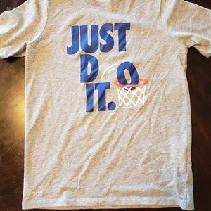 NIKE Boys T-Shirt SZ SM